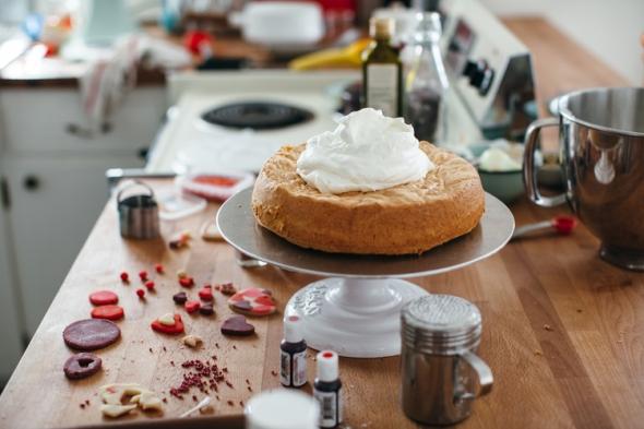 yeh_valentine_almond_cake-2